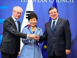 Politique: la Corée du Sud enfume les constructeurs européens