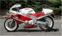 Vente aux enchères: 700 motos demain à Las Vegas par Mecum.