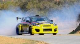 [vidéo] Tanner Foust drifte sur Mulholland Drive