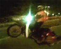 Vidéo moto : wheeling et test de casque