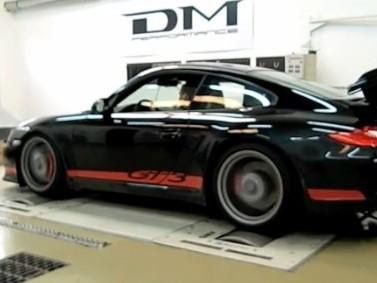 Vidéo : Porsche GT3 DM Performance, respirant à travers un échappement Akrapovic