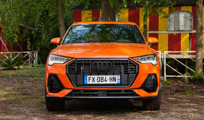 Audi Q3 45 TFSI-e : moins de bagages mais un bonus - Salon Caradisiac Electrique/Hybride 2021