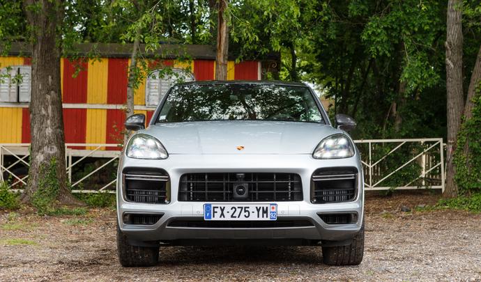 Porsche Cayenne Turbo S E-hybrid : la puissance verte - Salon Caradisiac Electrique/Hybride 2021