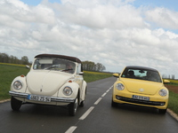 Vidéo - VW Coccinelle 1302 LS (1972) vs VW Coccinelle 1,2 TSI (2012) : dîner de famille chez les coléoptères