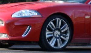 Jaguar XKR phase 2 : totalement nue