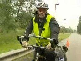 Il fait le tour de la France à vélo pour trouver un travail