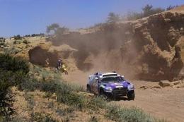 Dakar 2009 Etape 5 : De Villiers ouvre son compteur, Peterhansel et Sainz culbutent, Al-Attiyah leader