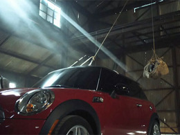 Mini vs Porsche : Mini s'entête lourdement