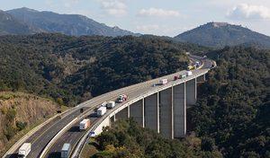 Autoroutes: les conducteurs de moins de 35 ans sont particulièrement dangereux