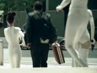 [Cinéma d'autos] Drive&Seek : Mercedes braque la banque
