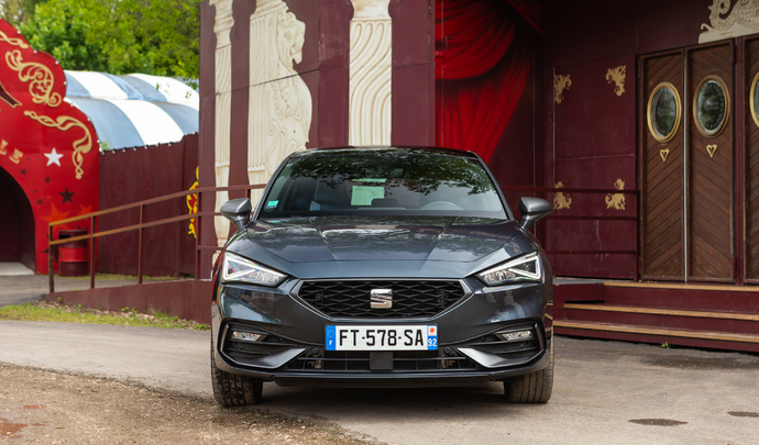 Seat Leon e-hybrid : ibère branchée - Salon Caradisiac Electrique/hybride 2021