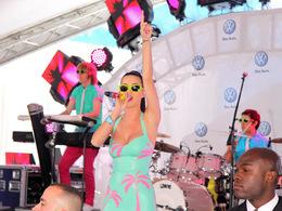 Volkswagen se paye Katy Perry pour faire la promo de sa Jetta à New York