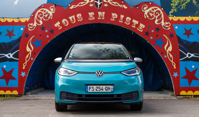 Volkswagen ID.3 : l'offensive Volkswagen - Salon Caradisiac Electrique/hybride 2021