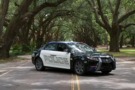Des moteurs diesel BMW pour la voiture de police Carbon Motors E7