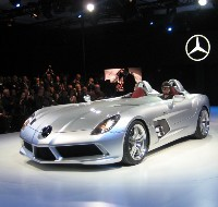 Exclusive Mercedes McLaren SLR Stirling Moss: enfin sur scène!