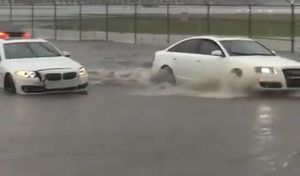 """Insolite : cette A6 passe l'inondation et pas les BMW, Audi se """"moque"""" de son concurrent"""