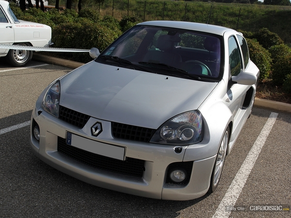 Photos du jour : Renault Clio V6 Ph.2 (10000 Tours)