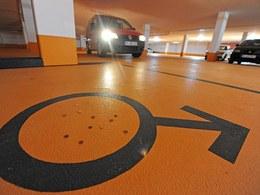 Des places réservées aux hommes dans un parking en Allemagne