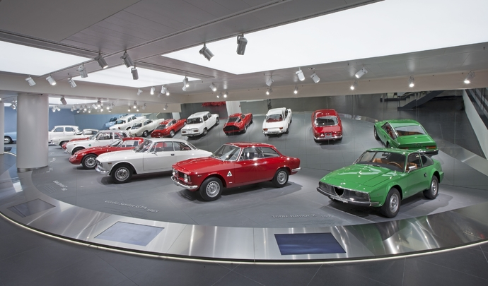 Road trip Alfa Romeo-Fiat-Abarth en Italie - Musée historique Alfa Romeo : panorama sur 360°