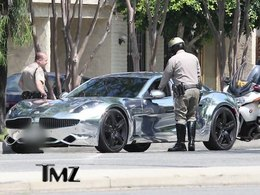 Insolite : Justin Bieber arrêté au volant de sa Fisker Karma