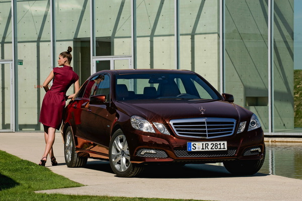 Nouvelle Mercedes Classe E : toutes les infos, les photos (88), les vidéos (4) et même les prix