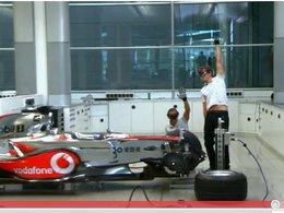 [video pub] Lewis Hamilton et Jenson Button construisent leur monoplace