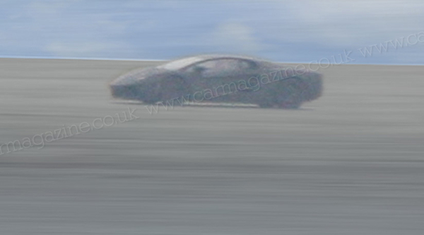 Spyshot : la remplaçante de la Lamborghini Murcielago, de loin