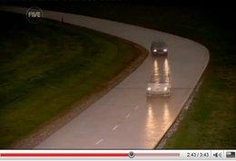 Vidéo Fifth Gear : Renault Super5 GT Turbo vs Twingo RSCup, mamie va-t-elle taper sa petite fille ?