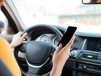 Téléphone au volant: les Français approuvent un durcissement des sanctions