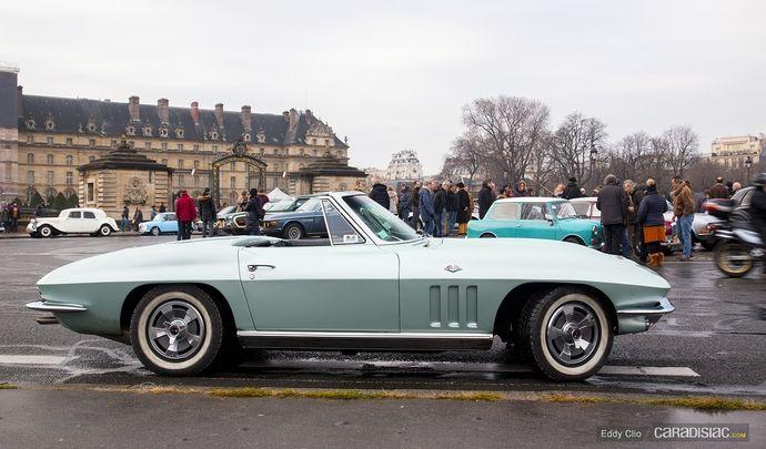 Photos du jour : Chevrolet Corvette C2 Sting Ray Convertible (Traversée de Paris)