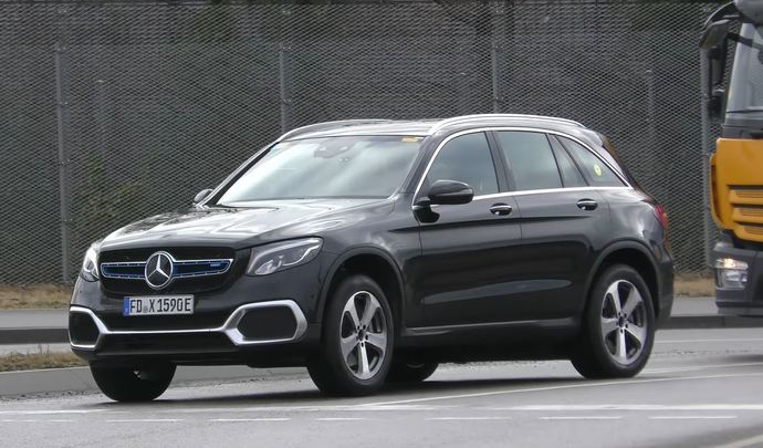 Le futur Mercedes GLC Fuel Cell sort du bois