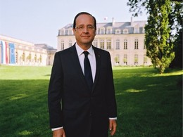 """Hollande sur PSA: """"un plan en l'état inacceptable"""""""