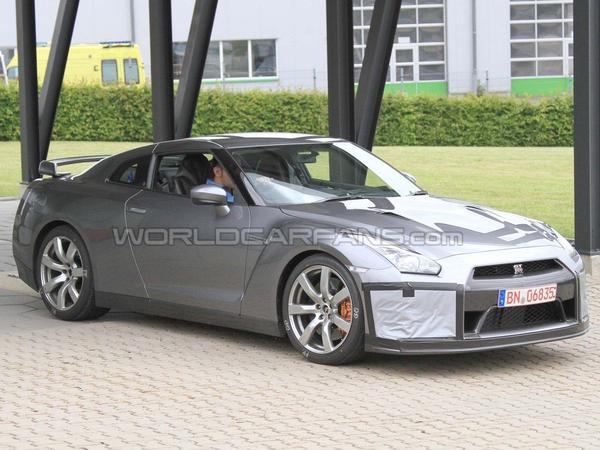 Spyshot : Nissan GT-R restylée