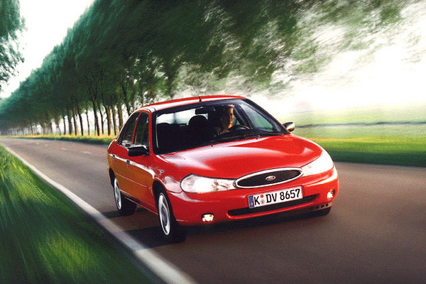 Ford-Mondeo-40121.jpg