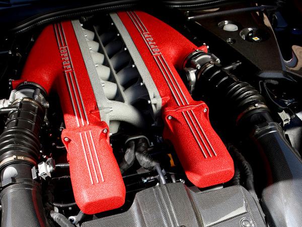 Ferrari : pas de turbos pour le V12