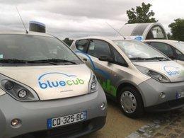 Après Paris et Lyon, la voiture électrique de Bolloré arrive à Bordeaux