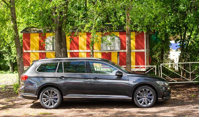Volkswagen Passat GTE: second rôle - salon Caradisiac Electrique/hybride 2021