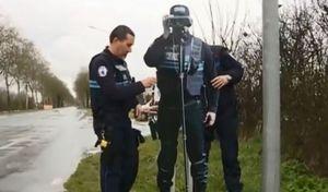 Vendée: un policier en carton pour lutter contre les excès de vitesse