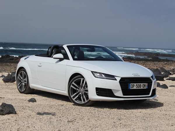 essai vid o audi tt roadster les tt l 39 air. Black Bedroom Furniture Sets. Home Design Ideas