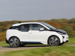 Le patron du design de Tesla se moque de la BMW i3