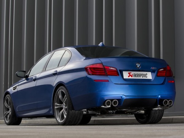 S7-Akrapovic-donne-de-la-voix-a-la-BMW-M5-F10-video-79957