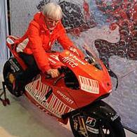 Formule 1 - Ecclestone: Les écuries auront moins de la part de Tonton Bernie