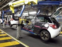 PSA étudie l'arrêt de deux lignes de production à Poissy et Mulhouse