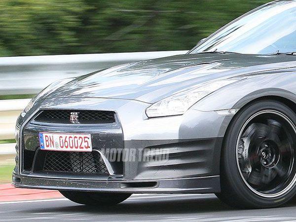 Nissan GT-R (mal) masquée : est-ce une nouvelle Spec V ?
