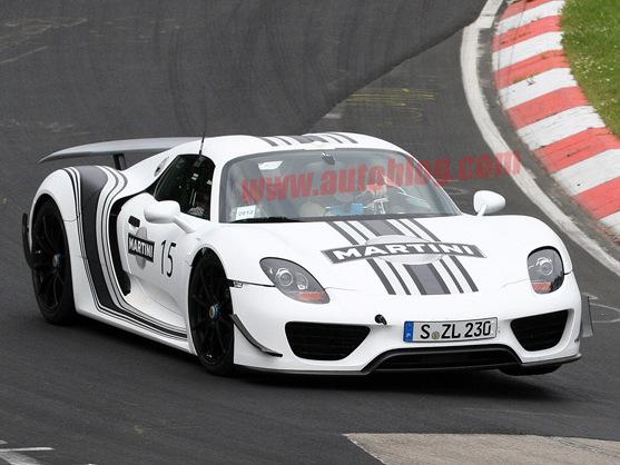 La future Porsche 918 Spyder surprise avec une livrée Martini
