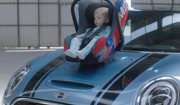 Vidéo: bébé insomniaque? Mini a la solution