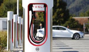 Tesla : l'accès aux Superchargers à nouveau gratuit pour les Model S et X