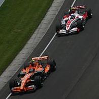 Formule 1: Spyker, Super Aguri: Ca chauffe pour les petits