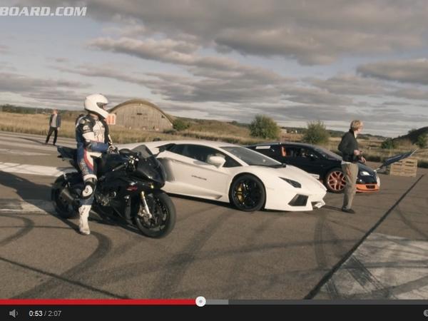 Vidéo - Bugatti Veyron Vitesse contre BMW S1000R : le duel auto/moto ultime