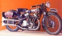 BROUGH SUPERIOR : la ROLLS des motos…